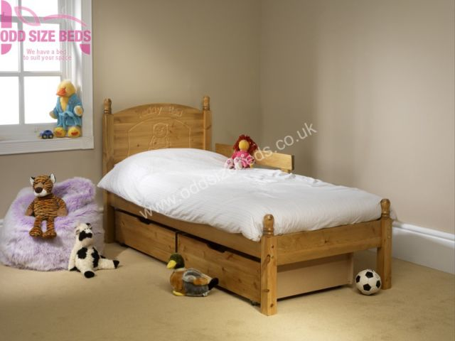 Child's Wooden Bed – Teddy Motif