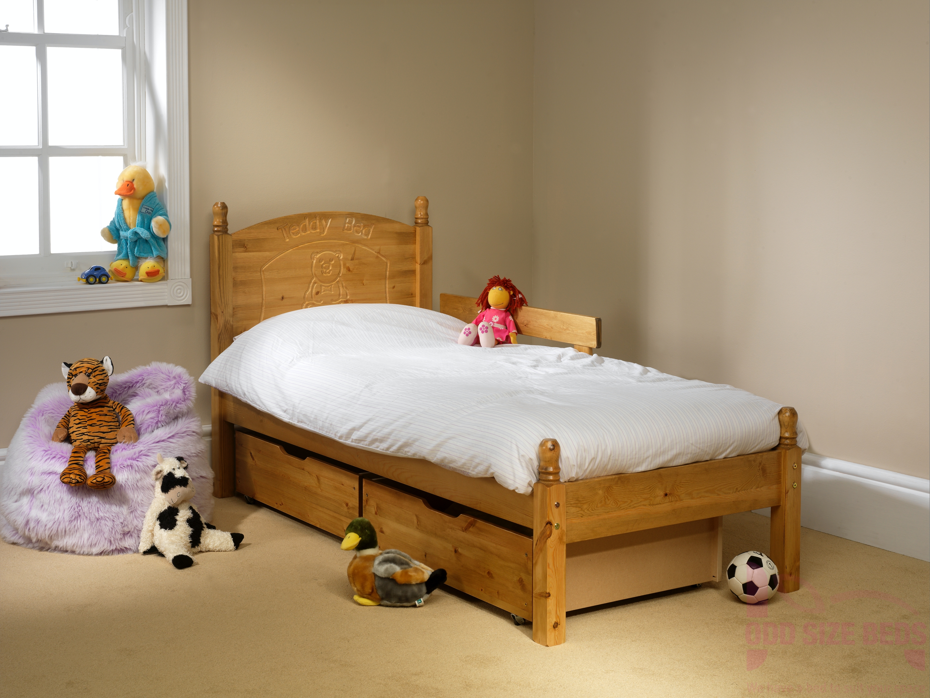 Made to Measure Child's Wooden Bed – Teddy Motif